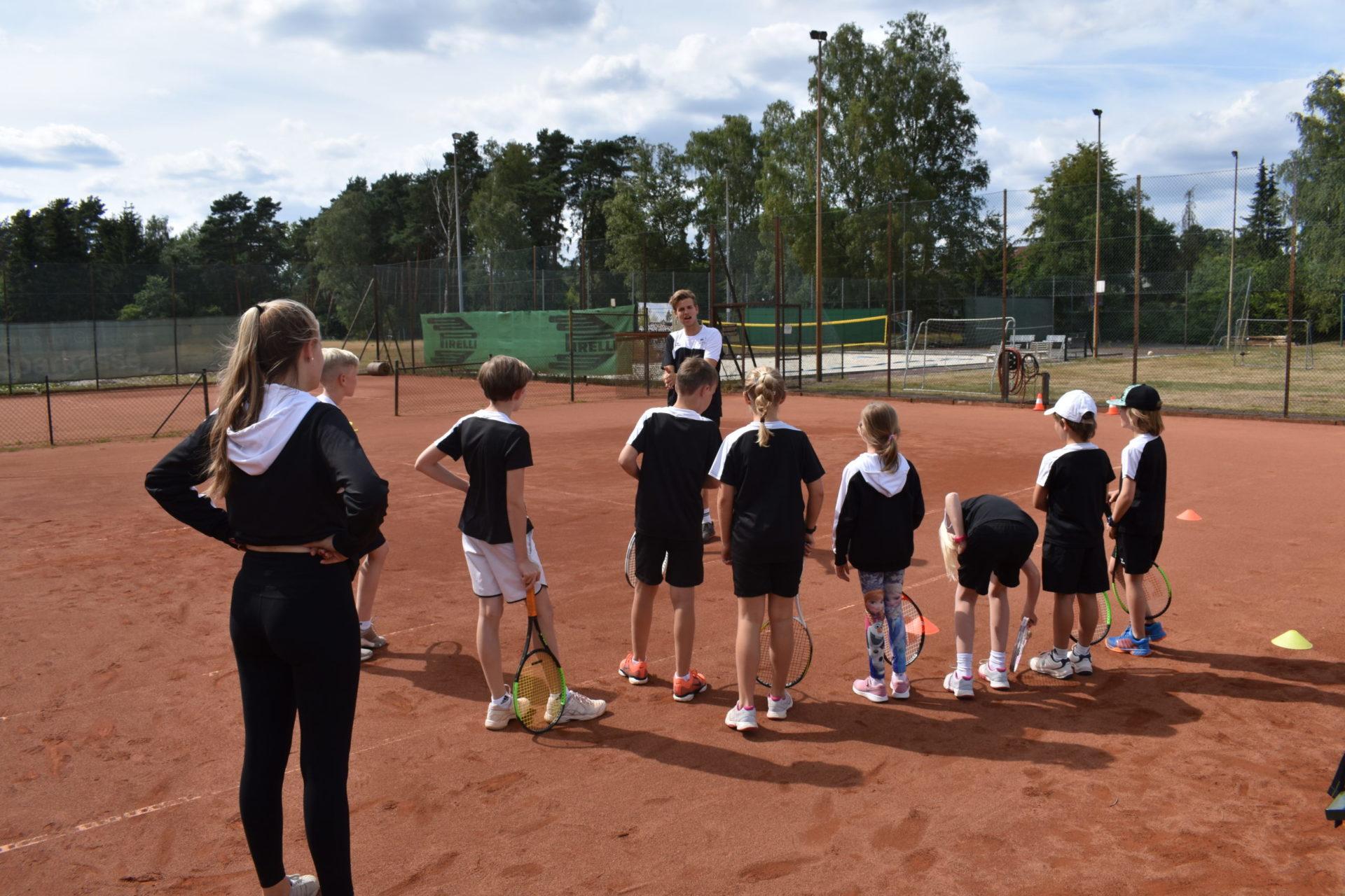 Kids beim Tennis